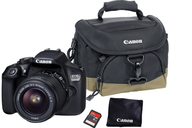 CANON EOS 1300D + 18-55 DC Value Up Kit + 8GB karta, brašna, utěrka
